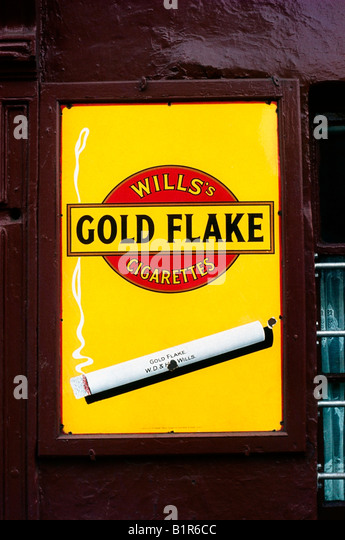 Dublin, Detail - Old fashioned, cigarette advertising - Stock Image