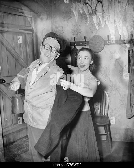 arthur askey love match dvd The love match is a 1955 british black and white comedy film directed by david paltenghi and starring arthur askey, glenn melvyn, thora hird and shirley eaton two football-mad railway engine drivers are desperate to get back in time to see a match.