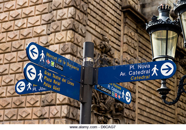 Tourist sign showing main attraction sights in Rambla street, Barcelona, Catalonia, Spain - Stock-Bilder