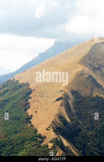 Mountain ridge in the Sibillini Mountains ,part of the Apennine Mountains.Le Marche Italy - Stock Image