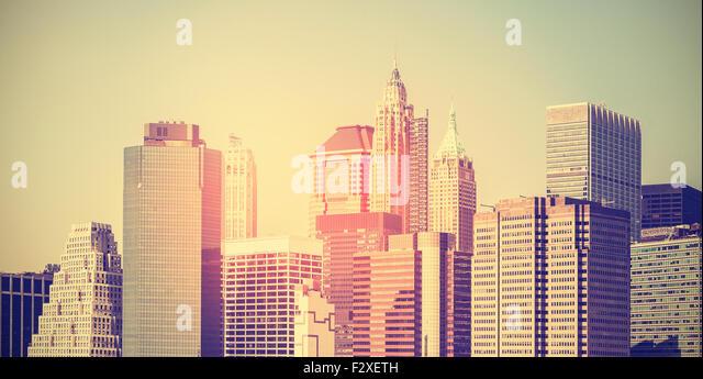 Vintage toned panoramic picture of Manhattan at sunset, New York, USA. - Stock-Bilder