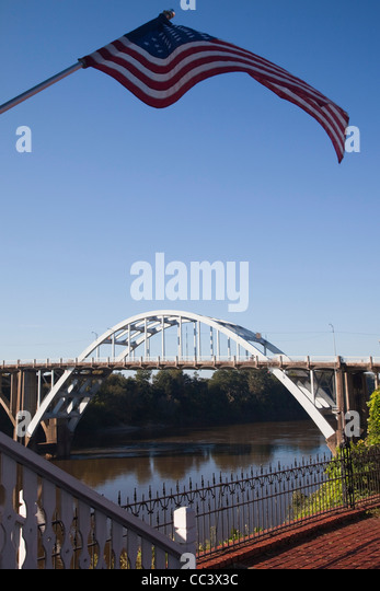 USA Alabama, Selma, Edmund Pettus Bridge, site of beginning of the Selma March during the African-American Civil - Stock-Bilder