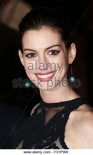 London, UK. September 28th, 2015. Anne Hathaway attends the European premiere of The Intern at Leicester Square, - Stock Image