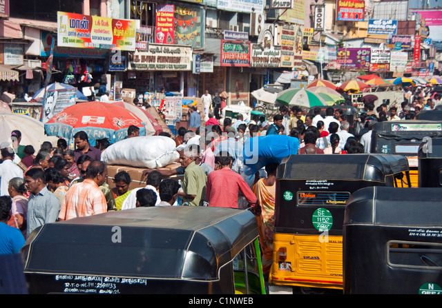 Congested street in Chennai, capital of Tamil Nadu. - Stock Image