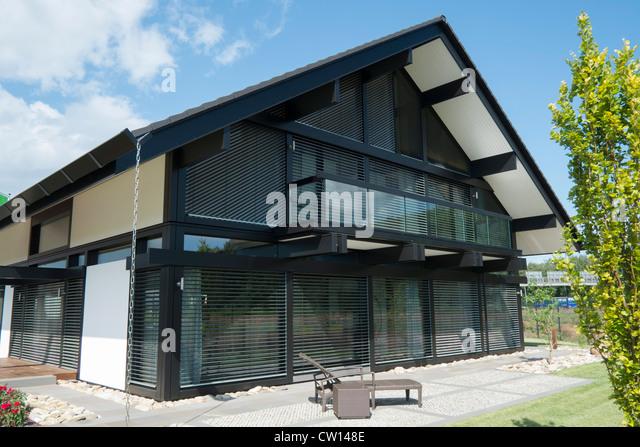 Modern highly energy efficient Huf Haus or family house in Germany - Stock-Bilder