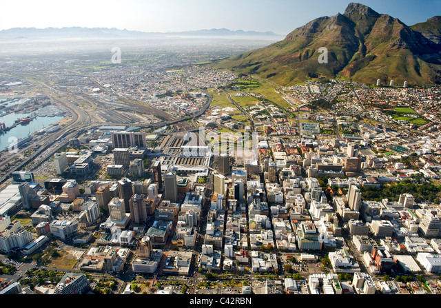 Aerial view of the buildings of the CBD in Cape Town, South Africa. - Stock-Bilder