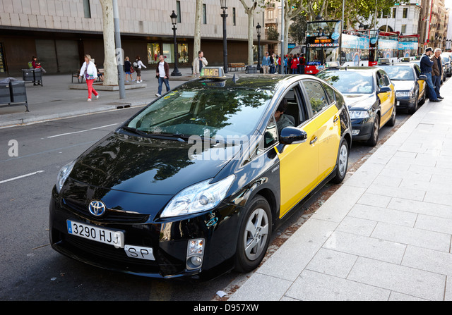 Black cab taxi rank stock photos black cab taxi rank stock images alamy - Cab in barcelona ...