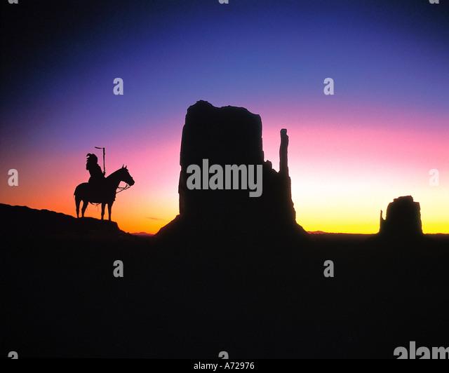 Native Indian on Horse in Monument Valley Arizona - Stock-Bilder