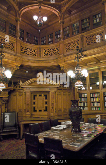 Opulent palace stock photos opulent palace stock images for Agra fine indian cuisine king street