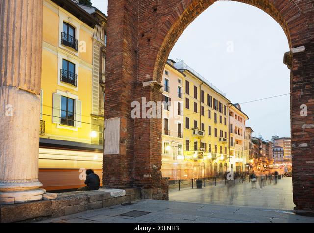 Piazza San Lorenzo, Milan, Lombardy, Italy - Stock Image