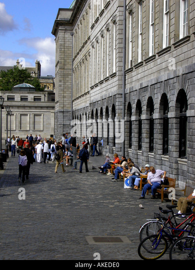 People and bicycles, Trinity College, Dublin, Republic of Ireland, Europe, - Stock Image