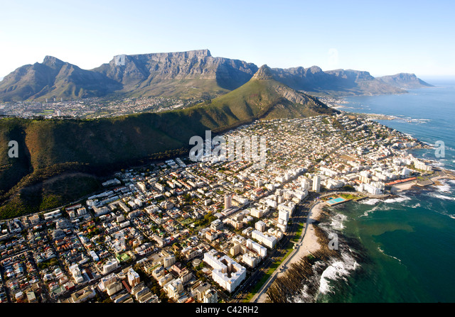 Aerial view of the Cape Town suburbs of Sea Point , Fresnaye and Bantry Bay with Table Mountain visible in the background. - Stock Image