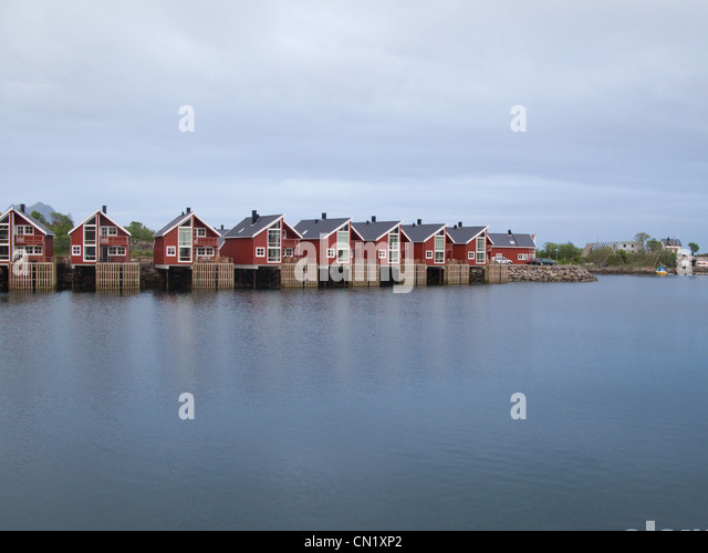 Houses on lake, Lofoten Islands, Norway - Stock Image