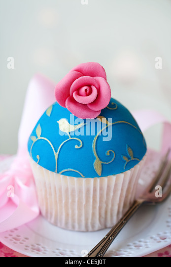 Rose cupcake - Stock Image