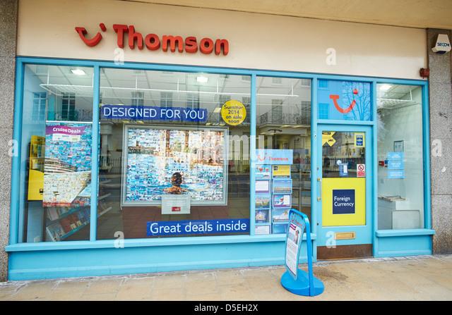 Facade of Thomson Travel Agency Shop The Parade Leamington Spa Warwickshire UK - Stock-Bilder