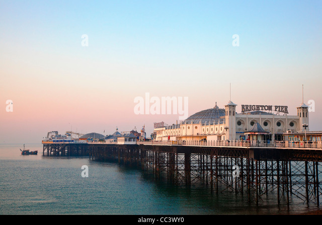 United Kingdom, England, The Brighton Marine Palace and Pier - Stock-Bilder