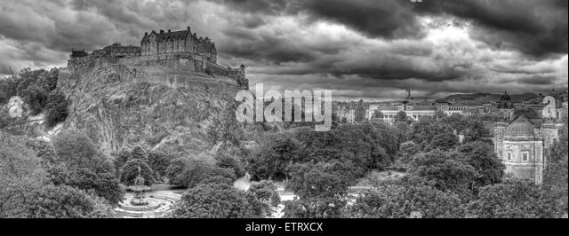 B/W Panorama of Edinburgh Castle, on The Mound, Scotland, UK - Stock Image