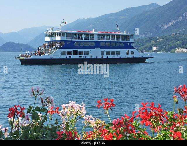 LAKE COMO, Piedmont, Italy. Car ferry arriving at Bellagio. Photo: Tony Gale - Stock-Bilder