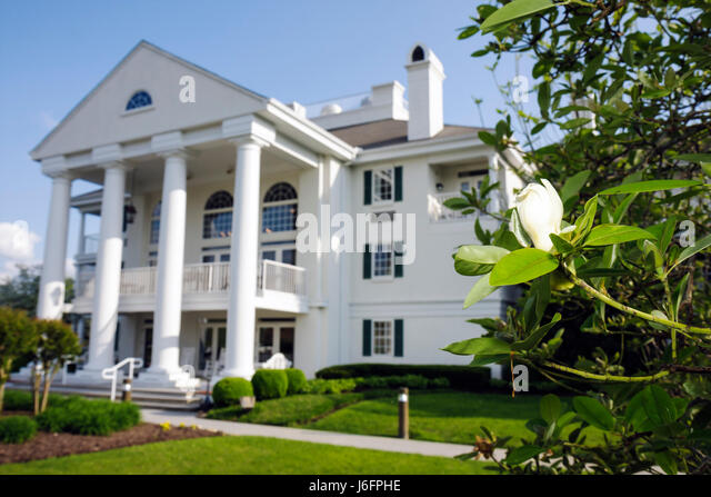 Tennessee Sevierville Clarion Inn Willow River hotel chain lodging hospitality building exterior Greek Revival architecture - Stock Image