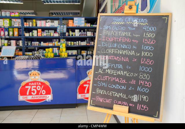 Santiago Chile Providencia Avenida Libertador Bernardo O'Higgins Farmacias Doctor Simi pharmacy discount drug - Stock Image