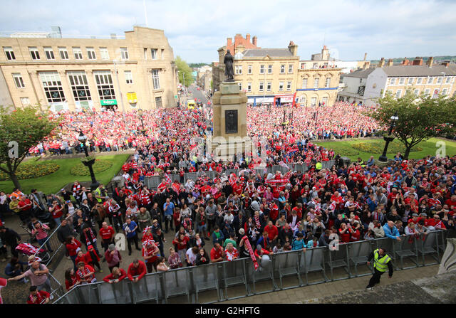 Barnsley Fc Stock Photos & Barnsley Fc Stock Images