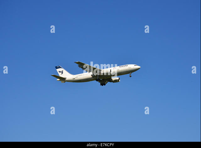 Iran air stock photos iran air stock images alamy - Iran air office in london ...