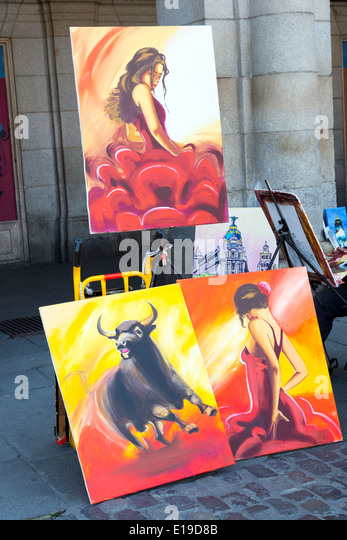 Artist paintings for sale in the Plaza Mayor, Madrid, Spain - Stock-Bilder