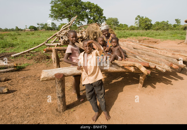 Bemobah family at the village of Sor No. 1, Gonja triangle, Damango district, Ghana. - Stock Image