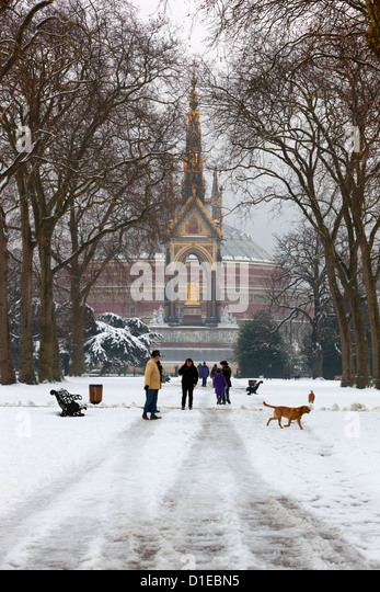 The Albert Memorial and Royal Albert Hall in winter, Kensington Gardens, London, England, United Kingdom, Europe - Stock Image