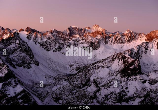 Snow-covered Alpine peaks at sunrise, Gramais, Lechtal, Reutte, Tirol, Austria, Europe - Stock Image