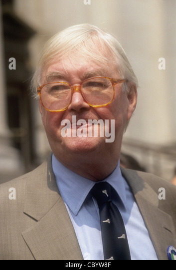 US Senator Daniel Patrick Moynihan (Democrat New York) (March 16, 1927 – March 26, 2003) on the steps of the Farley - Stock Image