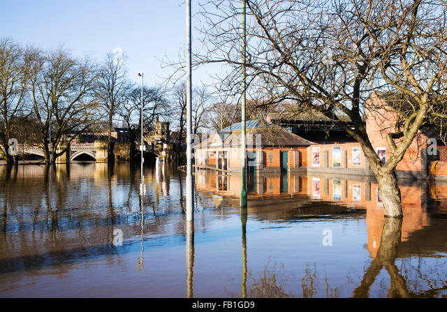 St. George's Field car park inundated by floodwater (1), Christmas 2015, York, England, UK - Stock Image