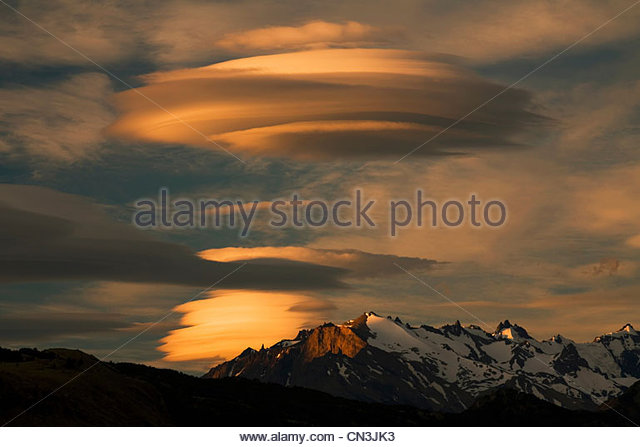 Lenticular clouds, Andes Mountains, El Chalten, Argentina. - Stock Image