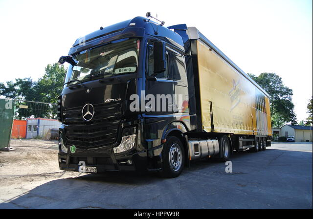 mercedes actros 1845 stock photos mercedes actros 1845 stock images alamy. Black Bedroom Furniture Sets. Home Design Ideas