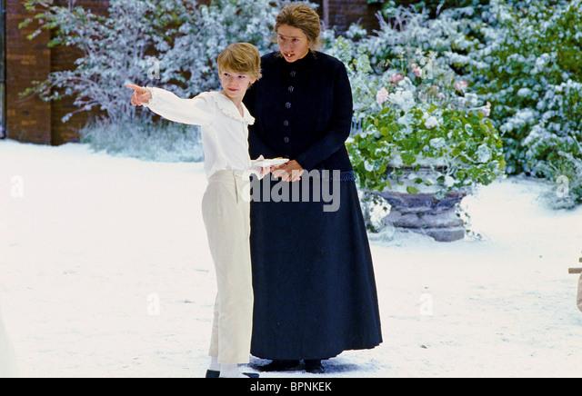 THOMAS SANGSTER & EMMA THOMPSON NANNY MCPHEE (2005) - Stock Image