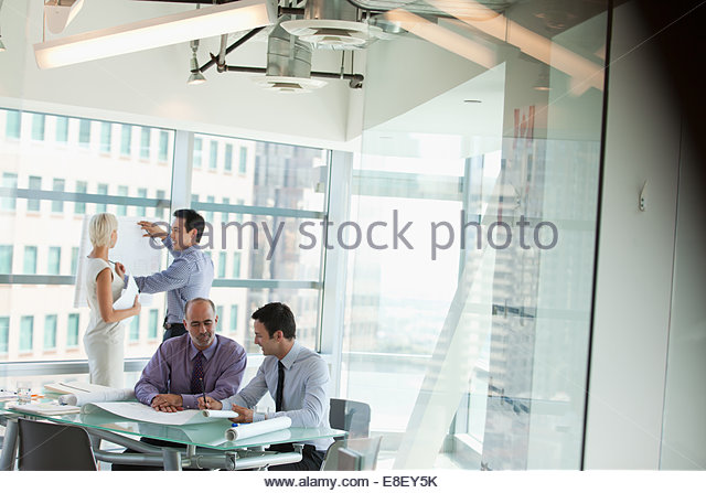 Business people at work in office - Stock-Bilder