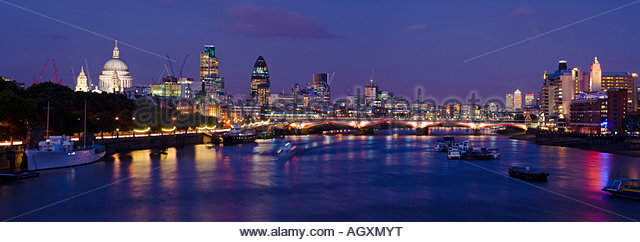 Panoramic view of the City of London and the river Thames, London, England. - Stock-Bilder