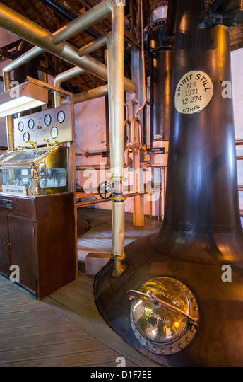 Environmentally friendly Bruichladdich disstillery in Islay island (Scotland) - Stock Image