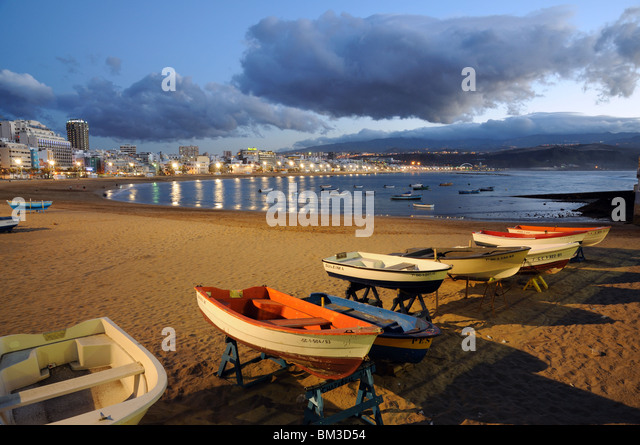 Fishing boats on the beach. Las Palmas de Gran Canaria, Spain - Stock Image