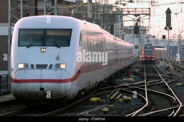InterCity Express passenger train Cologne Germany - Stock-Bilder
