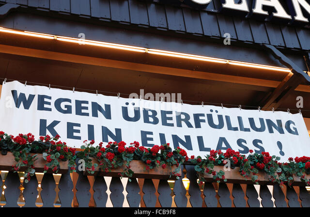 because of overfilling no admittance to the beer tent at the Oktoberfest in Munich, Germany - Stock-Bilder