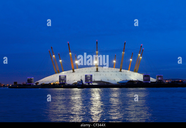 The O2, a large entertainment venue on the Greenwich peninsula which houses the O2 arena, built within the former - Stock-Bilder