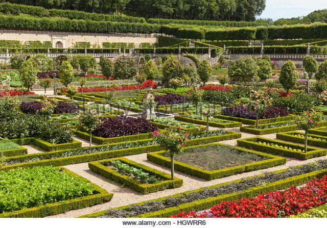 Parterre garden summer stock photos parterre garden for Chaise de parterre
