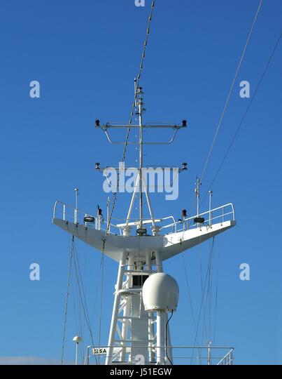 navy,seafaring,communication,radio,mast,radar,navigation,blauer himmel - Stock Image