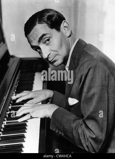 Irving Berlin at the piano, 1940s. Courtesy: CSU Archives / Everett Collection - Stock Image
