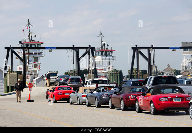 Line of cars waiting for Hatteras Ferry to Ocracoke Island on the North Carolina Outer Banks - Stock Image