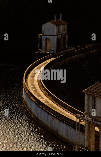 Close up of the Eguzon hydroelectric dam on the river Creuse, central France - Stock Image