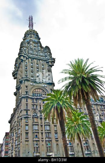 Palacio Salvo in Montevideo, Uruguay - Stock Image