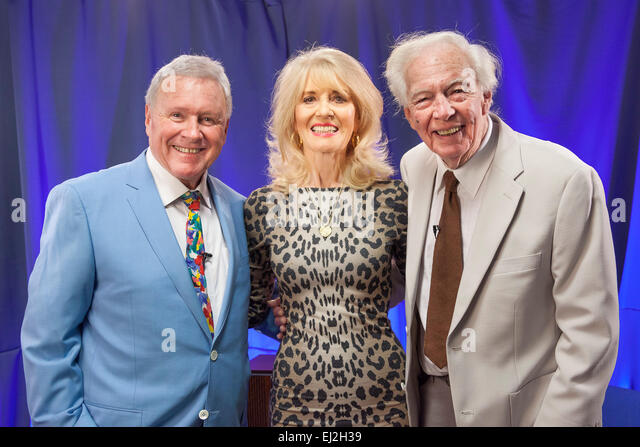 Walsall, West Midlands, UK. 20 March 2015. David Hamilton (L) with English pop singer Julie Rogers (C) and British - Stock Image