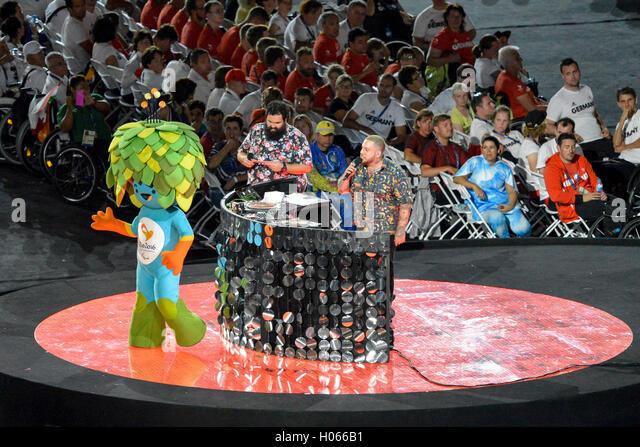 RIO DE JANEIRO, RJ - 18.09.2016: ENCERRAMENTO DA PARALIMPÍADA RIO 2016 - Tom mascot during Closing Ceremony - Stock-Bilder